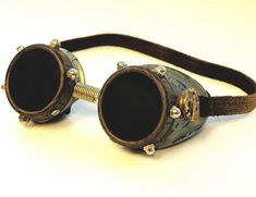2 timelord Thirteen Astonishing Pairs of Steampunk Goggles