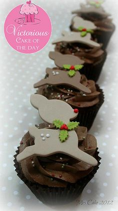 Reindeer with holly cupcakes