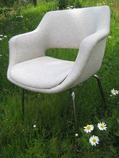 Martelan Kilta-tuoli / Kilta-chair designed in 1956. Re-upholstered @ Verhoomo Vekki.