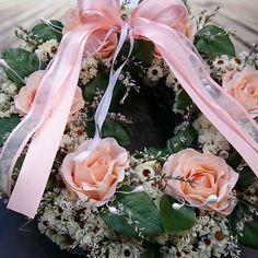 Lososový+Větší+romantický+věneček+s+látkovými+květinami,+průměr+30+cm.