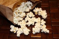 Homemade Microwave Popcorn - this will be great for the RV.we can still have our popcorn, but without the bulky popcorn maker and chemical-laced store-bought microwave popcorn! Recipes Appetizers And Snacks, Appetizers For Party, Snack Recipes, Healthy Recipes, Desserts, Homemade Microwave Popcorn, Yummy Food, Tasty, Kids Meals