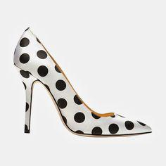Oscar de la Renta, mimi satin polka-dot pumps http://tupersonalshopperviajero.blogspot.com.es/2013/09/pumps-heels-to-wear-this-fall.html