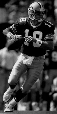 Quarterback Mike Tomczak of the Green Bay Packers 1991
