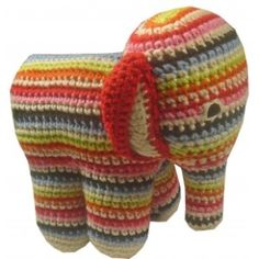 crochet elephant~ I wish I knew how to crochet! I wish someone would be willing to teach me! :0(