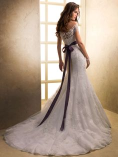 Purple Wedding Dress Photo Ideas
