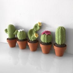 In this 4 part mini series I will be giving you 4 detailed posts on how to make your own variations of Cacti. This pattern is for the round barrel cactus. These cacti patterns are also incredibly a…