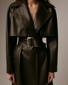 High Fashion, Winter Fashion, Womens Fashion, Mode Sombre, Moda Streetwear, Mode Ootd, Spring Outfits Women, Business Casual Outfits, Alexander Mcqueen