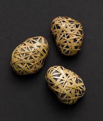 """Résultat de recherche d'images pour """"Cane wrapped rocks, Japanese basketry knots"""""""