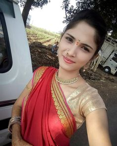 Tamannaah is quite young if compared to many famous Bollywood Actresses. Beautiful Girl Indian, Beautiful Saree, Beautiful Indian Actress, Beautiful Gorgeous, Looking Gorgeous, Beautiful Actresses, Beauty Full Girl, Beauty Women, Real Beauty