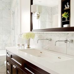 TAPS AND SINK SIZE:  Houzz - Home Design, Decorating and Remodeling Ideas and Inspiration, Kitchen and Bathroom Design