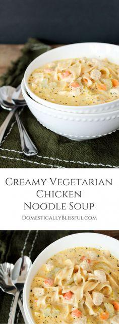 Creamy Vegetarian Chicken Noodle Soup is a yummy vegetarian twist on the classic… vegetarisch lifestyle recipes grillen rezepte rezepte schnell Going Vegetarian, Vegetarian Dinners, Vegan Meals, Vegetarian Sandwich Recipes, Vegetarian Appetizers, Vegetarian Food, Veggie Recipes, Cooking Recipes, Healthy Recipes