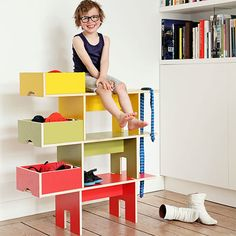 apilables y muy útiles para poner orden clever kid's room organizers - bobby seat shelf by  moupila