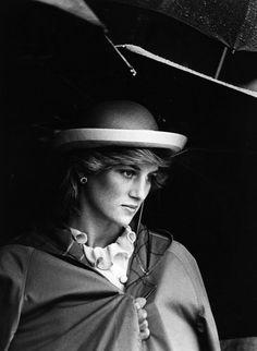 17 Gorgeous Photos of Princess Diana You've Never Seen Before