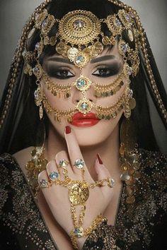 ღஐღ Beautiful women of the Eastღஐღ Face Jewellery, Body Jewelry, Anklet Jewellery, Beautiful Mask, Beautiful Women, Arabian Beauty, Arabian Eyes, Arabian Nights, Indian Bridal Makeup