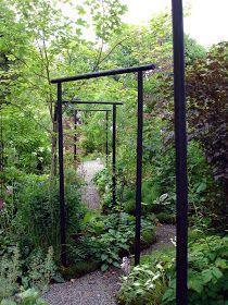 Garden Paths, Garden Art, Garden Landscaping, Garden Design, Asian Garden, Black Garden, Magnolia Gardens, Outdoor Privacy, Gardening Courses