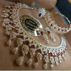 Diamond Necklaces : Likes, 101 Comments - مجوهرات_قصيبات ( on . - Buy Me Diamond Indian Wedding Jewelry, Bridal Jewelry, Gold Jewelry, Fine Jewelry, Jewelry Necklaces, Diamond Necklaces, Diamond Jewellery, Stylish Jewelry, Luxury Jewelry