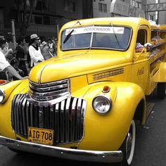 Medellín Clasic Cars Parade 40