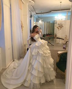 Discovered by H. Find images and videos about fashion, style and luxury on We Heart It - the app to get lost in what you love. Elegant Dresses, Pretty Dresses, Vintage Dresses, Beautiful Dresses, Beautiful Dream, Country Wedding Dresses, Best Wedding Dresses, Bridal Dresses, Boho Wedding