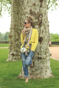 Boyfriend jeans with blazer stripes and flats