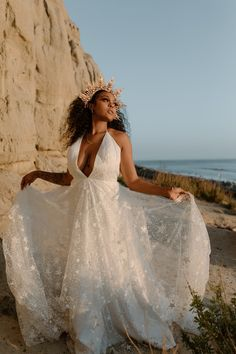 Luna — California Gowns Gowns For Rent, Lace Wedding, Wedding Dresses, California, Fashion, Bride Dresses, Moda, Bridal Gowns, Fashion Styles
