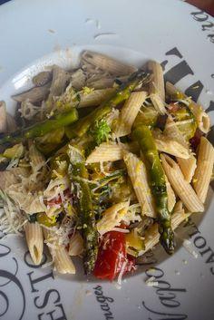 Pâtes aux asperges et courgettes de Gennaro Contaldo Japchae, Vegetables, Ethnic Recipes, Food, Asparagus, Zucchini, Vegetarische Rezepte, Recipes, Essen