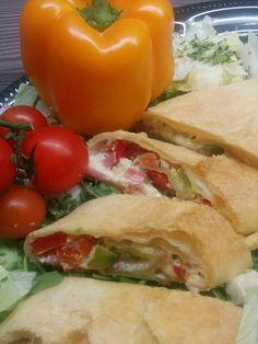 Bagel, Pizza, Menu, Bread, Quiche, Ethnic Recipes, Finger Food, Onion Tart, Savoury Pies
