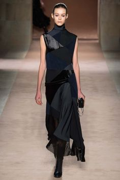Victoria Beckham - Her lady is grown and sophisticated. This collection is for the stylish mom that has to consider function, but wants to stay fashionable. thestyleweaver.com Fall 2015 Ready-to-Wear