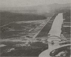 Década de 50 - Rio Pinheiros com a antiga Ponte do Jaguaré. Visão no sentido do Pico do Jaraguá.