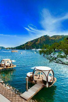 Göcek, Turquie. https://www.maritima-sailing.fr/mediterranee/location-voilier-catamaran-turquie-gocek#informations