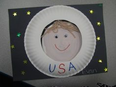 Astronaut craft for space unit Space Theme Preschool, Space Activities, Preschool Lessons, Preschool Activities, Astronaut Craft, Outer Space Theme, Space Projects, Art Projects, Classroom Crafts