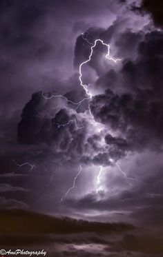 Lightning dance wf gorgeous mini lightning storms created with portable tesla coil Wallpaper Sky, Iphone Background Wallpaper, Purple Wallpaper, Nature Wallpaper, Weather Wallpaper, Sky Aesthetic, Aesthetic Collage, Purple Aesthetic, Aesthetic Backgrounds