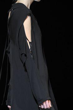Yohji Yamamoto Spring 2012 Runway Pictures - StyleBistro