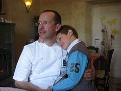 'Le boulanger et son fils', Michel et Lucien-Pierre Izard, La Maison du boulanger, Lannilis, 27 avril 2012, DR