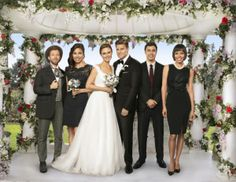 married :-* love this series.it´s the best and funny series . Bones Sealy and Temprence aka Joy with Jack,Angela,Swets and Cameron Bones Serie, Bones Tv Series, Bones Tv Show, Dr Bones, Fox Series, Ryan O'neal, Emily Deschanel, Cyndi Lauper, Bones Season 9