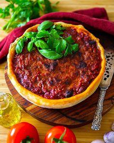 Köfte- Turkiska biffar med paprikasås och tarator - ZEINAS KITCHEN Chicago Style, Deep Dish, Tahini, Pizza, Dishes, Vegetables, Kitchen, Cuisine, Kitchens