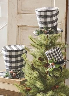 Buffalo check in classic black and white. Three sizes of thes cute top hat decorations from RAZ. Arriving to Trendy Tree soon for Christmas 2019. #diychristmasdecor