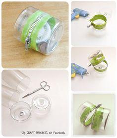 Upcycle Plastic bottles : Plastic-Bottle Zipper Container. || #DIY #Craft #tutorial #purse