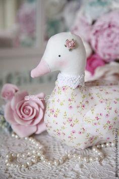 Shabby duck