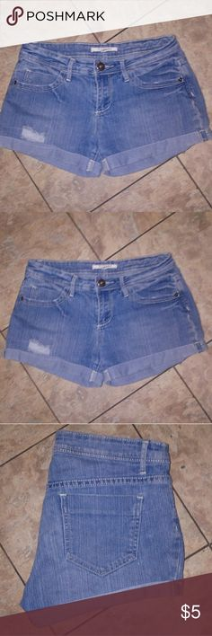 Forever 21 Distressed Jean Shorts Forever 21 Distressed Jean Shorts Size 27 Forever 21 Shorts