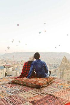 Hot Air Balloons in Cappadocia Turkey // localadventurer.com/: http://localadventurer.com//turkey-cappadocia-hot-air-balloon-rides/?utm_content=bufferb6a40&utm_medium=social&utm_source=pinterest.com&utm_campaign=buffer