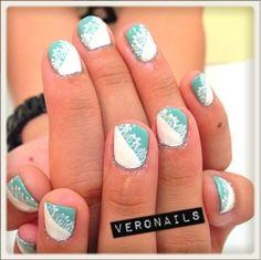 Veronails: Green n White