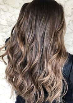 If you are looking for best styles of hair colors then must see here the modern ideas of chocolate brown hair colors with beautiful balayage highlights in year 2018. Here you can see the awesome and unique hair colors of balayage highlights with long and medium haircuts in this year. Use these colors for unique looks.