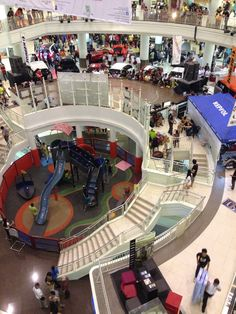 Ayala Center Cebu is a great mall to do a little shopping and eating out. It is difficult to get to if you're staying out in Mactan, but it's worth the trip.