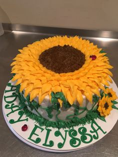 Sunflower Birthday Cake Cake idea for Moms Birthday Pinterest