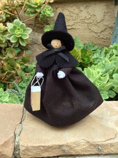 Halloween clothespin doll witch's costume by cherylsdollsnstuff