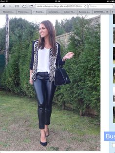Leather Trousers, Leather Leggings, Fashion Outfits, Womens Fashion, Sexy Women, Mini Skirts, Street Style, Casual, Pista