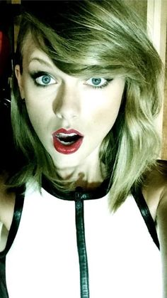 Discovered by wentwild. Find images and videos about Taylor Swift on We Heart It - the app to get lost in what you love. Estilo Taylor Swift, Taylor Swift Hot, We Heart It, Swift Facts, Taylor Swift Pictures, Blond, Singer, Celebrities, Hair Styles