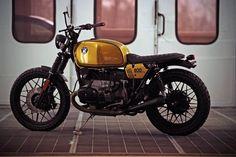 Customizer Holger Breuer dachte sich: Teure Umbauten kann jeder, ich mach mal einen preiswerten. Sein 2500 Euro-Konzept passte prima zur BMW R 80/7 und zur Finanzlage seines Kumpels: http://www.motorradonline.de/hb-custom-bmw-r-807-bmw-umbau/457541