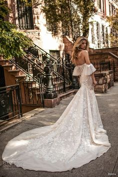 Wedding Dress Lace berta fall 2017 bridal strapless off the shoulder sweetheart necklne bustier bodice full embellishment lace fit and flare wedding dress royal train (005) bv