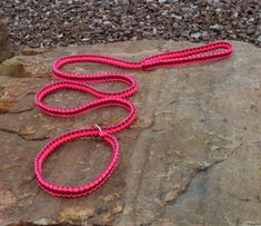 Items similar to Paracord slip lead, Pink and Black, Six feet on Etsy Paracord Dog Leash, Rope Dog Leash, Parachute Cord, Paracord Projects, Collar Designs, Animal Projects, Pet Supplies, Arts And Crafts, Unique Jewelry